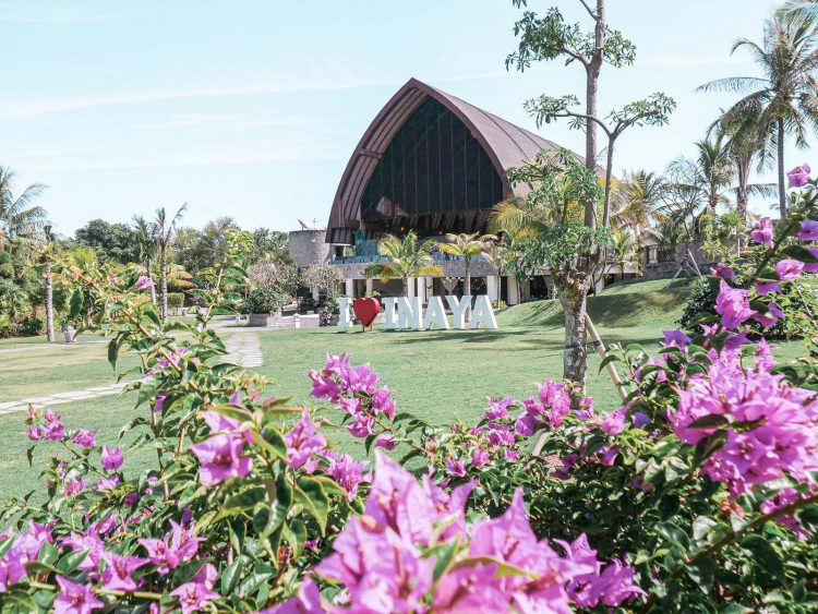Barn-Style Lobby | Inaya Putri Bali